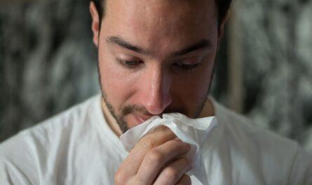 Mladého muže čeká kvůli špatnému zdravotnímu stavu nemocenská.